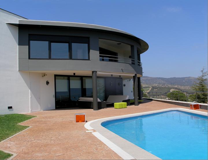 Villa standing avec jardin et piscine en vente allela - Villa barcelone avec piscine ...