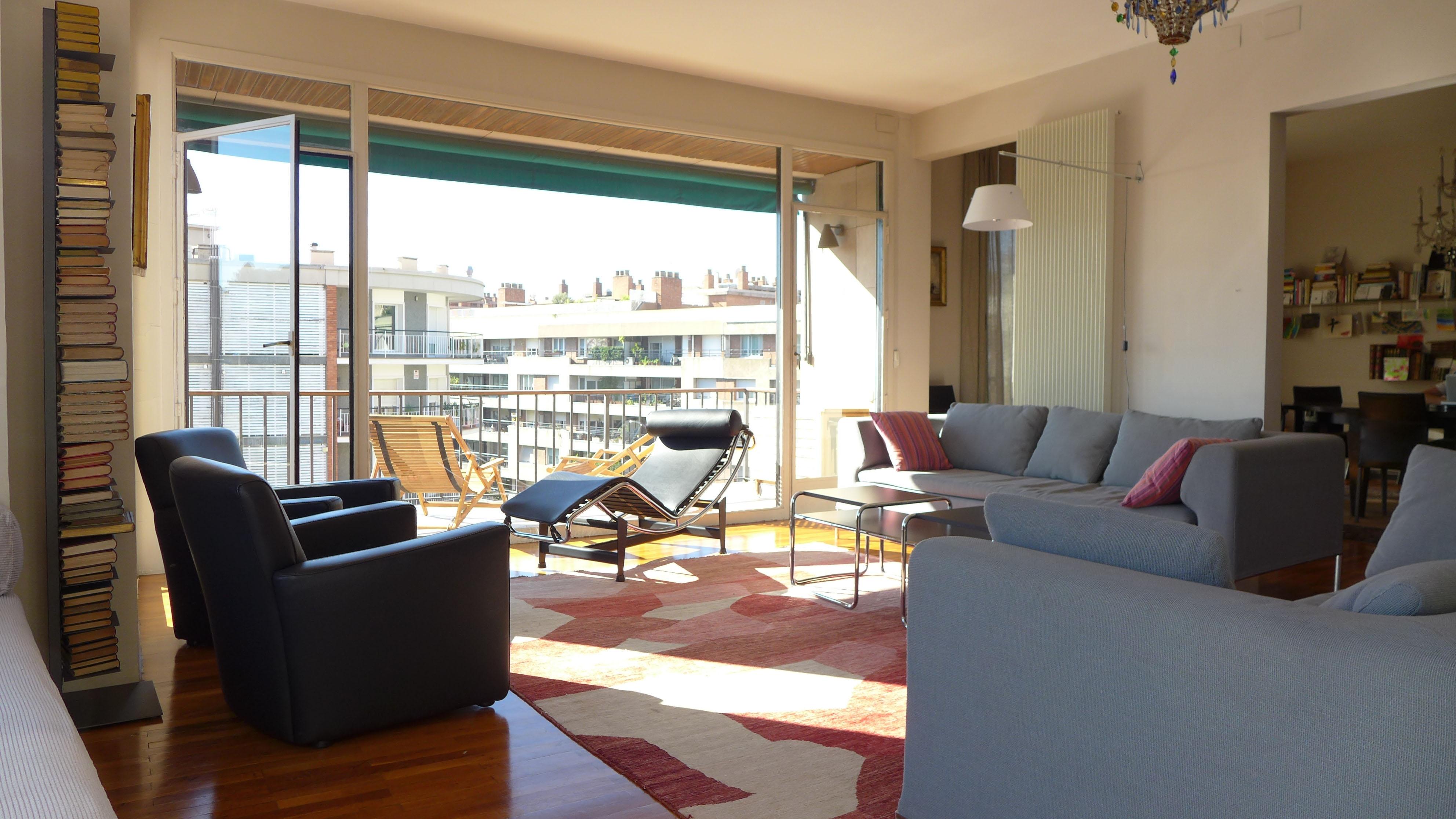 appartement meubl de luxe louer calle balmes sant gervasi barcelone barcelona properties. Black Bedroom Furniture Sets. Home Design Ideas