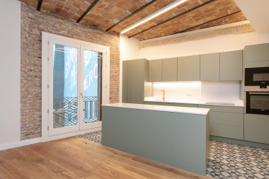 Fantastic 3 bedroom apartment for rent in the Via Laietana