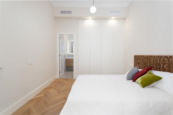 Hermoso piso reformado de 2 habitaciones en alquiler