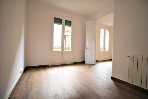 Large refurbished 4 bedroom apartment for rent