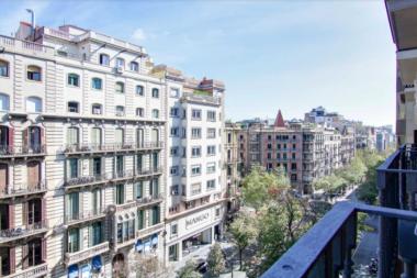Piso amueblado con encanto se alquile en Rambla Catalunya
