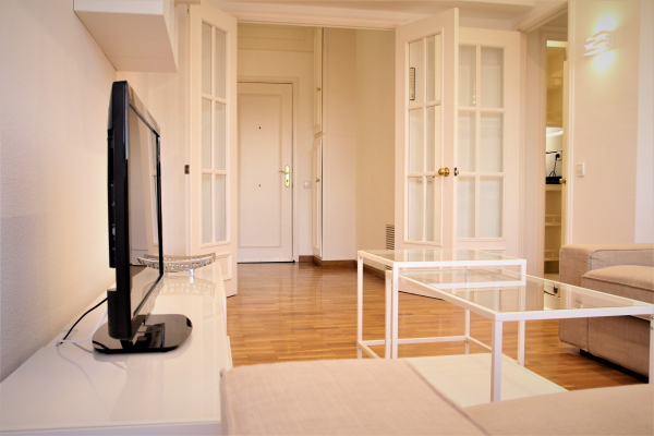 Fantastic furnished 3 bedroom apartment for rent with a terrace