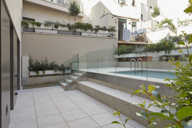 Exclusive 2 bedroom apartment with terrace and private pool for rent in Sarria
