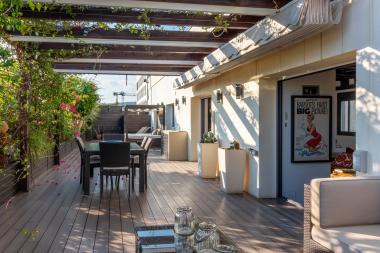 Ático de diseño de 2 habitaciones con terraza espectacular en venta