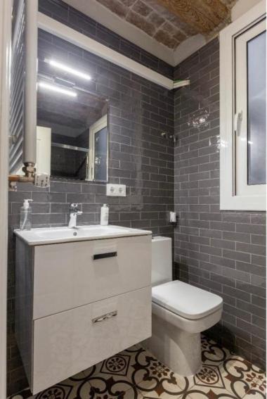 Piso acogedor de 3 habitaciones en venta en el Gótico