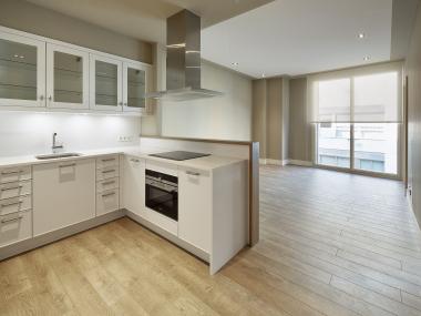 Appartement neuf d'une chambre avec terrasse et piscine commune en location à Sant Gervasi