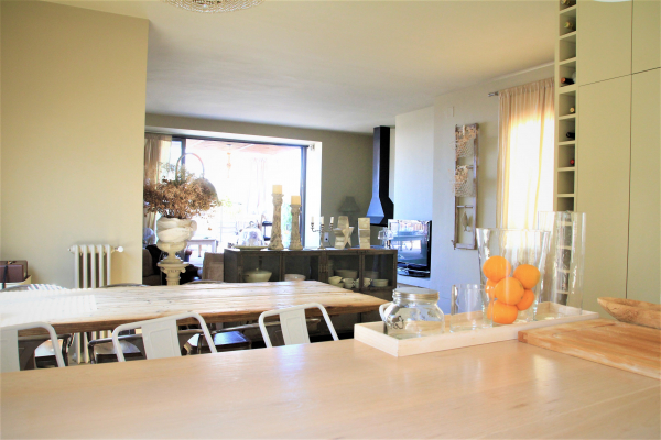 Exclusive furnished penthouse with terrace for rent in Sant Gervasi