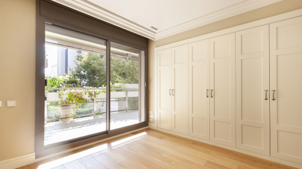 Fabulous 3 bedroom apartement with terrace for rent in sant Gervasi