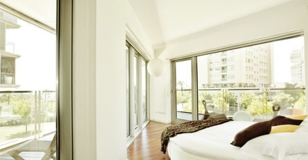 Fantastic furnished apatment with a 90m2 terrace with sea views in Diagonal Mar