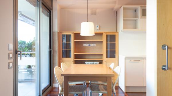 Luminoso piso familiar en alquiler en Sarria