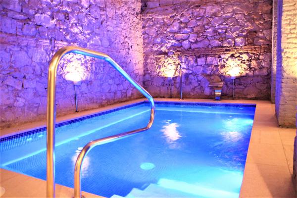 Fantástico piso de 3 habitaciones con piscina en alquiler al lado de la Plaza Cataluña