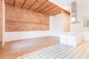 3 bedroom fully renovated apartment for rent in the Eixample Dreta