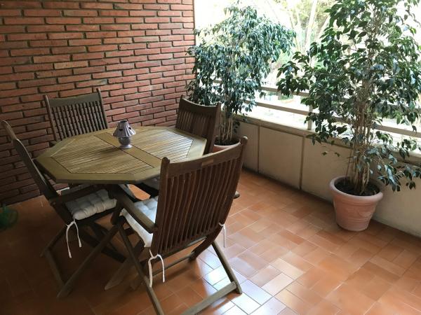 Lujoso piso de 4 habitaciones con terraza en Pedralbes