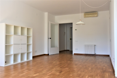 Se alquile un bonito piso de 1 habitación en Vila Olímpica