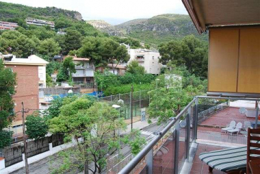 Apartment with pool for sale in Castelldefels, near Barcelona