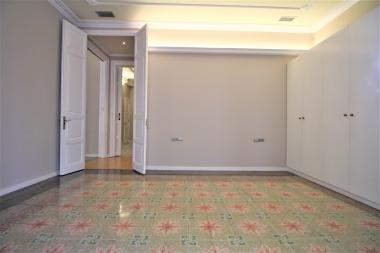 Magnifico piso modernista de 5 habitaciones con terraza en alquiler en el Eixample