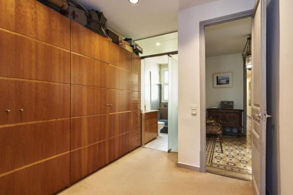 Magnifico piso en venta de 3 habitaciones en Fort Pienc