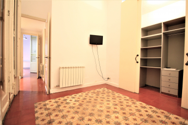 Cosy 2 bedroom apartment with parking for rent in Sarria