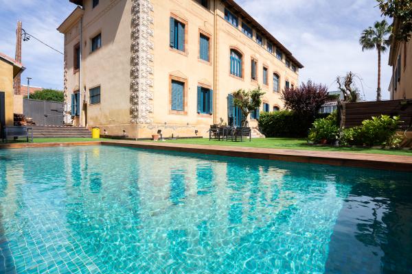 Precioso atico de 4 habitacones con terraza y piscina communitaria en alquiler en Bonanova