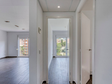 Piso reformado de 2 habitaciones con parking en alquiler en Sant Gervasi
