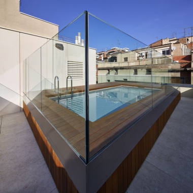 1 bedroom apartment with private terrace and communal pool for rent in Sant Gervasi