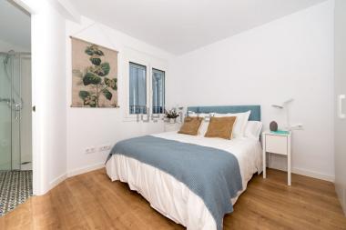 Bonito duplex obra nueva de 3 habitaciones con balcón zona Sant Antoni, Barcelona