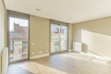 Se alquile piso exterior con 1 habitación renovado en Sarria, Barcelona