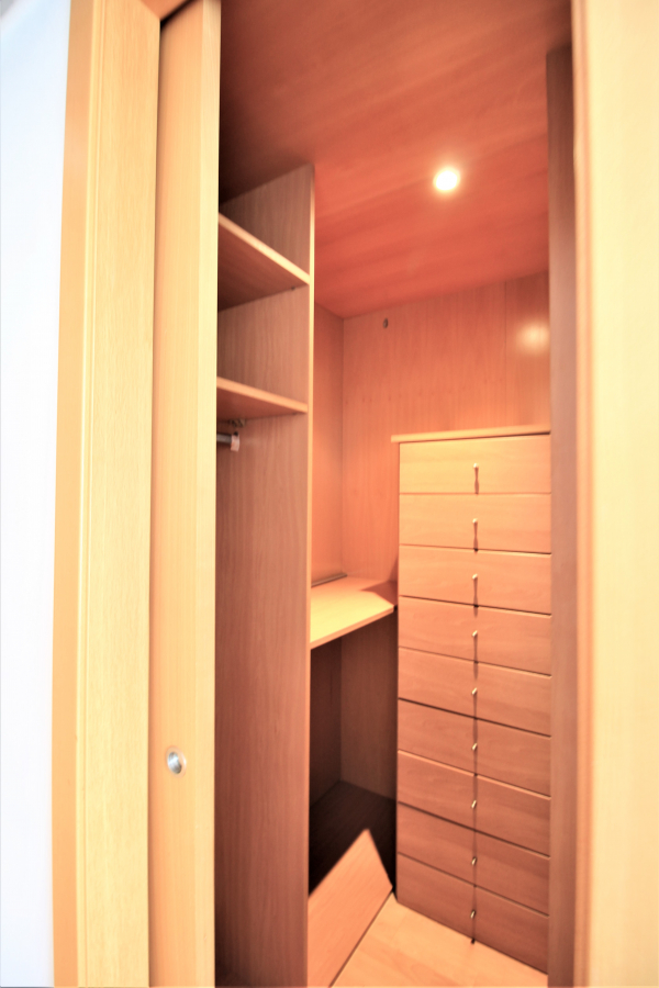 Ático duplex de 3 habitaciones con terraza en alquiler en Tres Torres